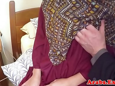 Hairy arabic beauty gets spoon fucked