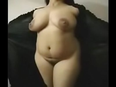 Indian Aunty in Urdu  (2)