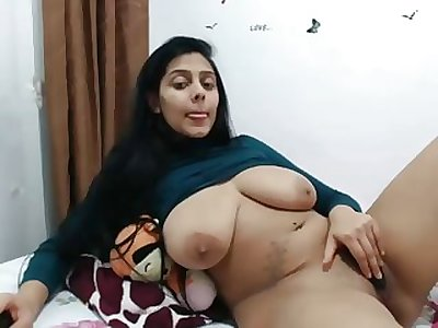 busty indian wench